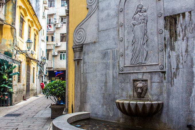 Macau-fountain-st-H