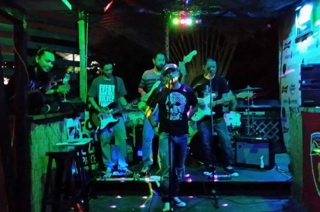 Band Green Lizard Bar Grill Guam