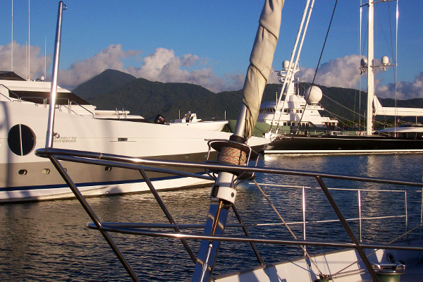 cairns boats