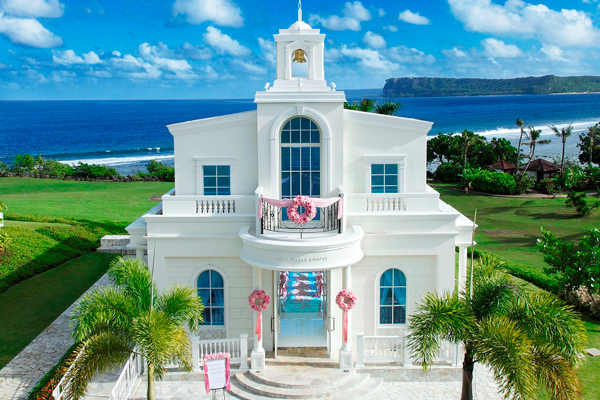 With Great Locations For A Resort Wedding High Ceilings Bright And Airy Es Windows Overlooking Tumon Bay These Chapels Have An Ethereal