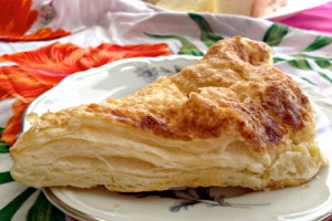 joannes-bakery-apple-turnover